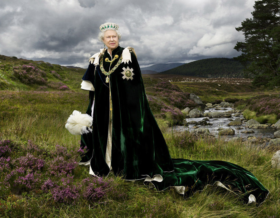 EXPOSED: All the Queen's Agents and Corporations that Control the World Queen-of-england