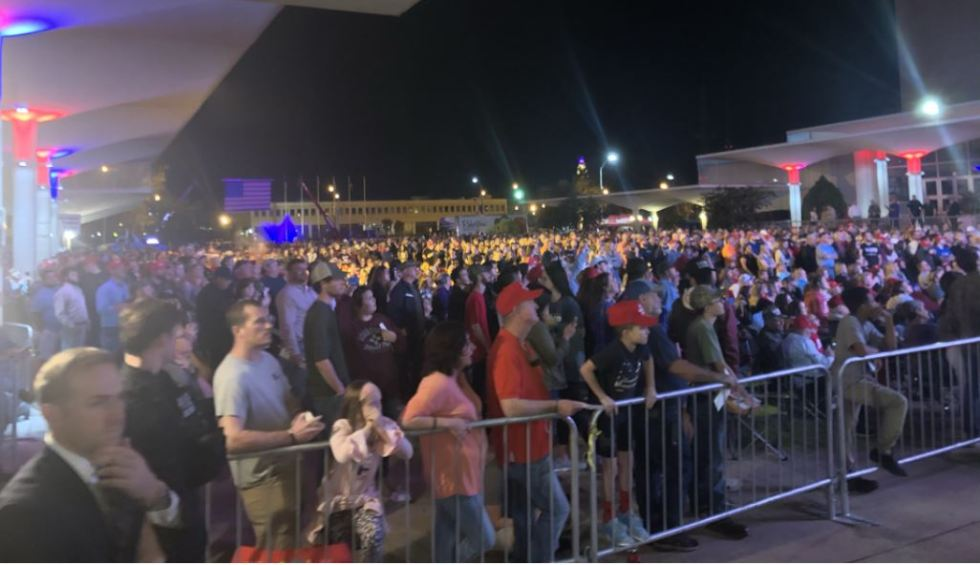 outside crowd trump rally.JPG