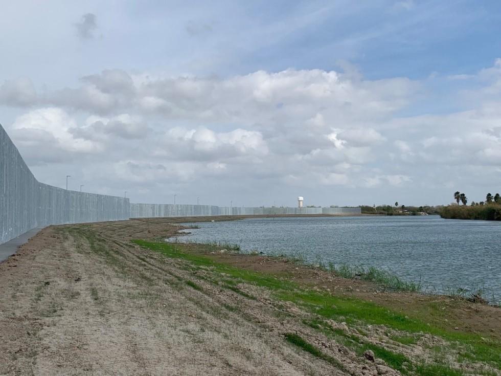 rio Grande wall